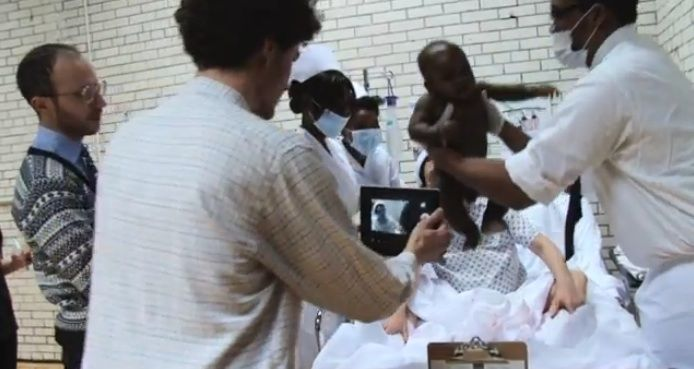 Exclusivo: The Making of the Very Fake 'Obama's Kenya Birth Video'